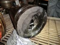 Engine piston head cracked