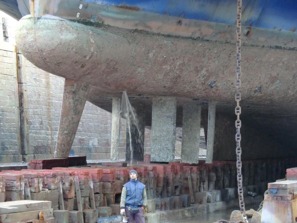 VOIHT-SCHNEIDER propeller system controlled in dry dock